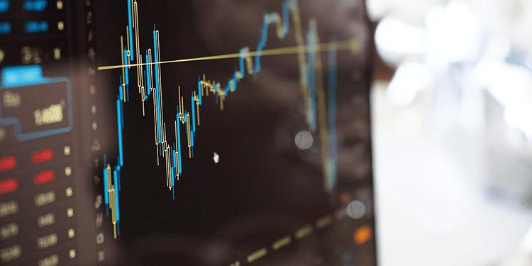 Bildschirm mit Aktienkursen